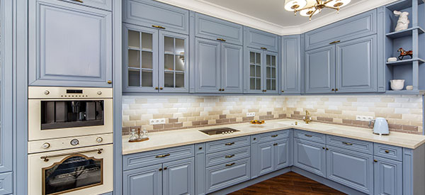 2019 kitchen cabinets favor colored cabinetry to give more personality and life to the kitchen.