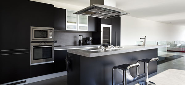 Built-in or integrated appliances give the kitchen a luxurious finish and saves on space.