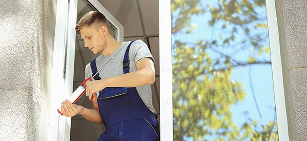 Contractors use specialized tools and high-quality sealants for a quality finish.