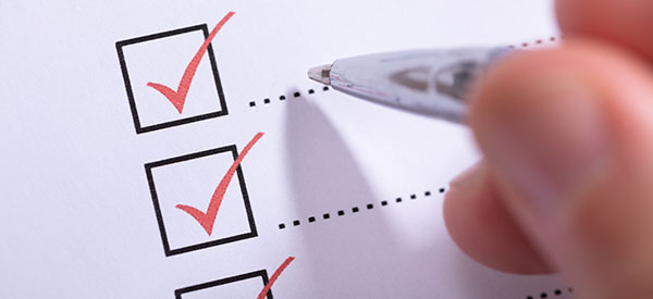 Use a checklist to serve as your guide for hiring a kitchen renovation contractor.