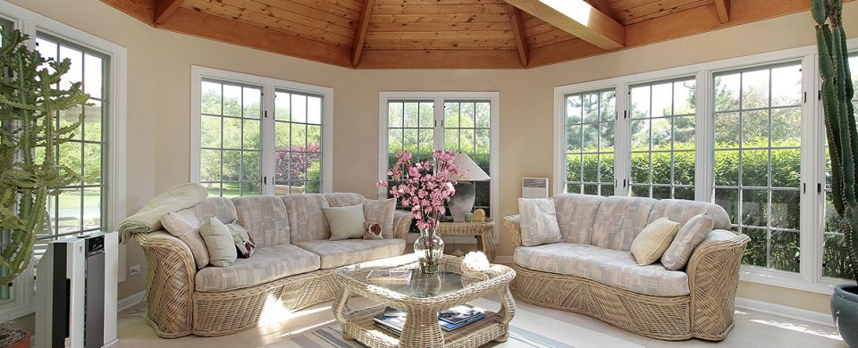 Find the best design for a sunroom that suits your home to ensure satisfactory results and a high return on your investment.