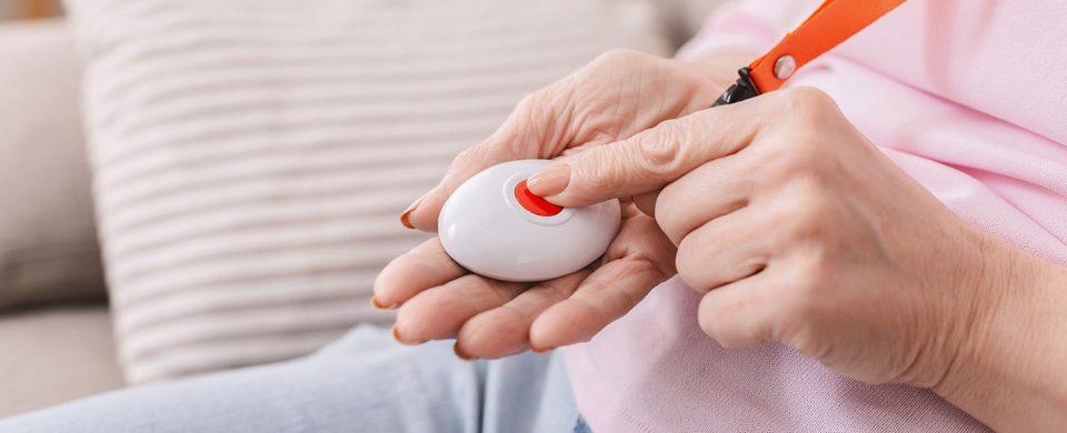 Medical-alert-systems-for-seniors-in-Toronto