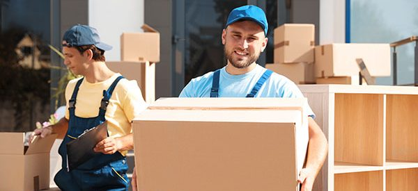 Check-reviews-of-Longueuil-moving-companies-for-a-safe-move.