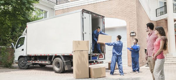 Easy-moving-with-professional-moving-services