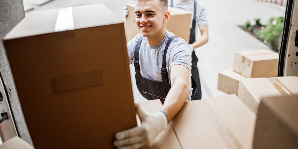 Get-the-best-movers-in-Mississauga-for-your-relocation-anywhere-in-Canada