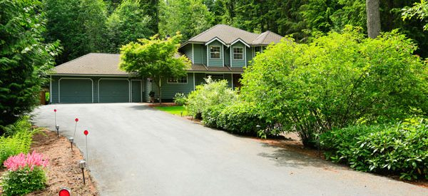 Increase-curb-appeal-of-your-property-with-asphalt-driveway-paving-services