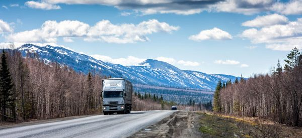 Long-distance-moving-trucks-transport-household-goods-all-over-Canada